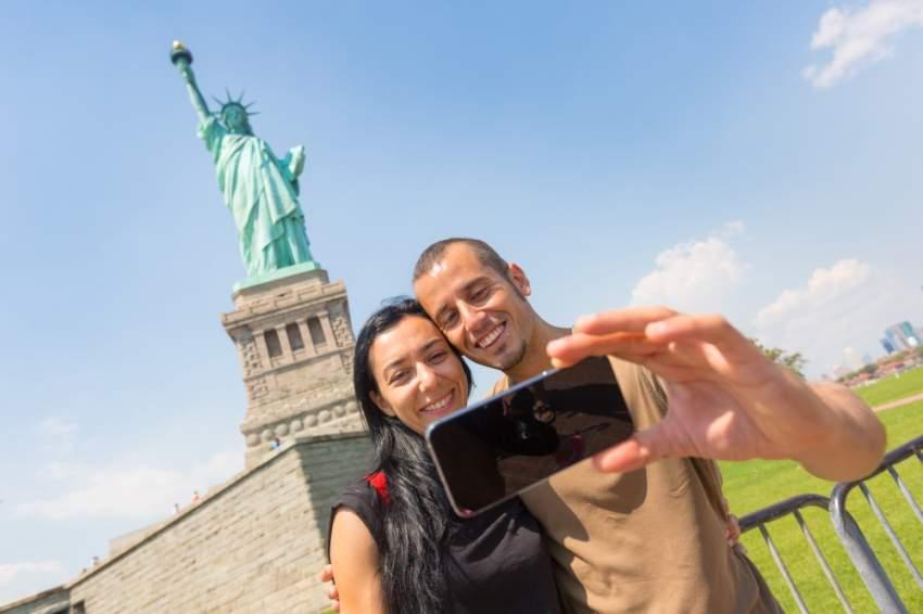 سيلفي مع تمثال الحرية