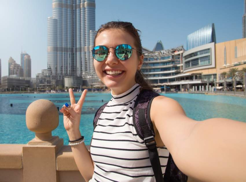 سيلفي مع برج خليفة في دبي