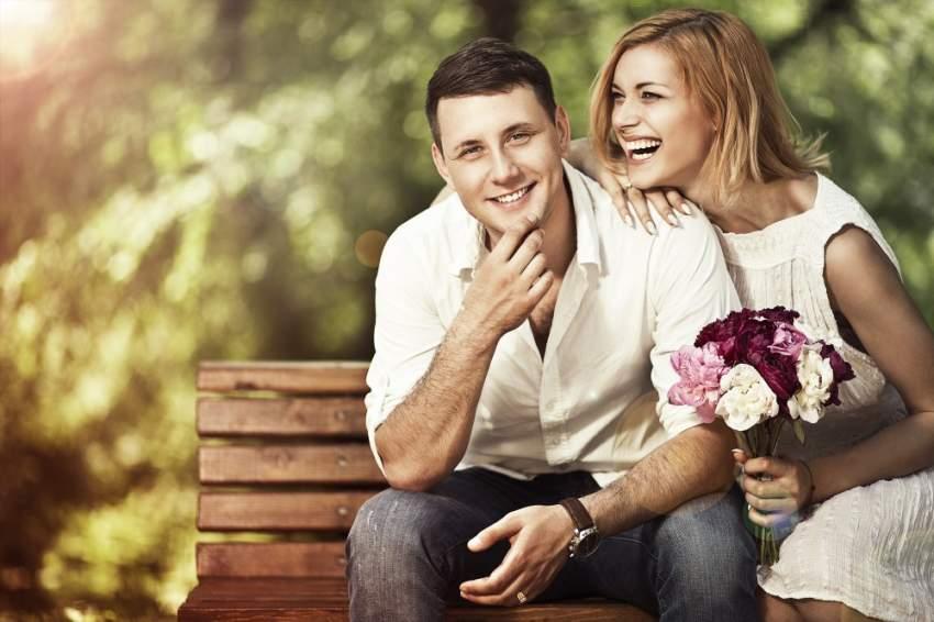 الدراسة وجدت أن مستويات السعادة تتراجع بعد فترة من الزواج