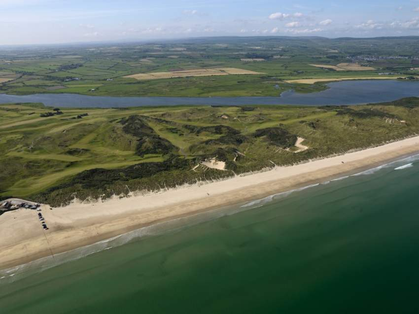 شاطئ داون هيل