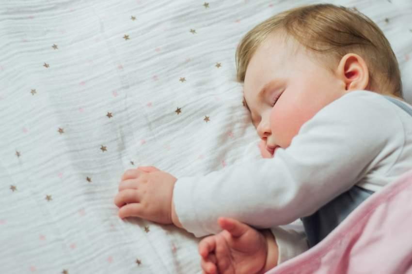 قيلولة الأطفال مضرة أم مفيدة؟ علماء يجيبون