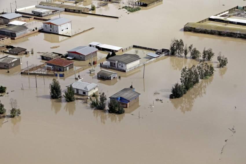 فيضانات في بلدة كلوستان الإيرانية. (رويترز)