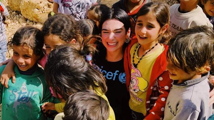 دواليبا مع أطفال اللاجئين