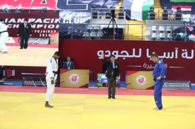من منافسات بطولة آسيا والمحيط الهادي لكبار الجودو في الفجيرة. (الرؤية)