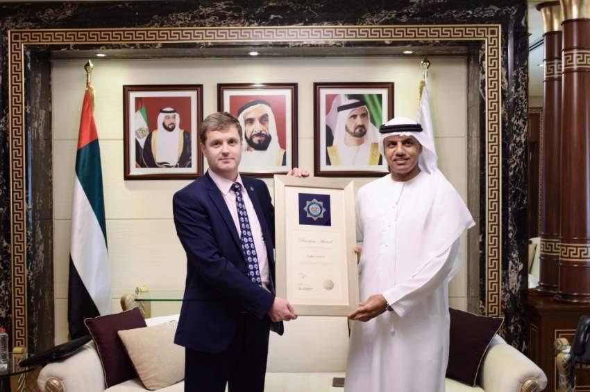 جمارك دبي تحرص على تطوير التعاون مع المملكة المتحدة لتعزيز نمو التجارة. (الرؤية)