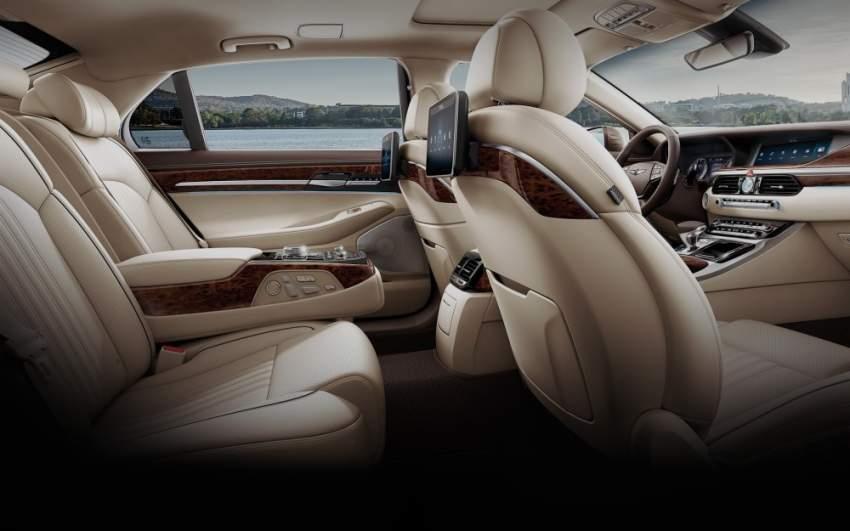 تتوفر سيارة G90 2020 بلونين جديدين: الأحمر بورتو وغولد كوست الفضي