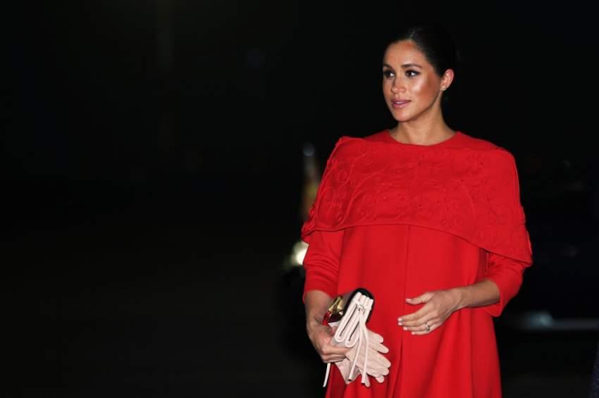 اختارت فستان أحمر من فالنتينو خلال زيارتها المغرب