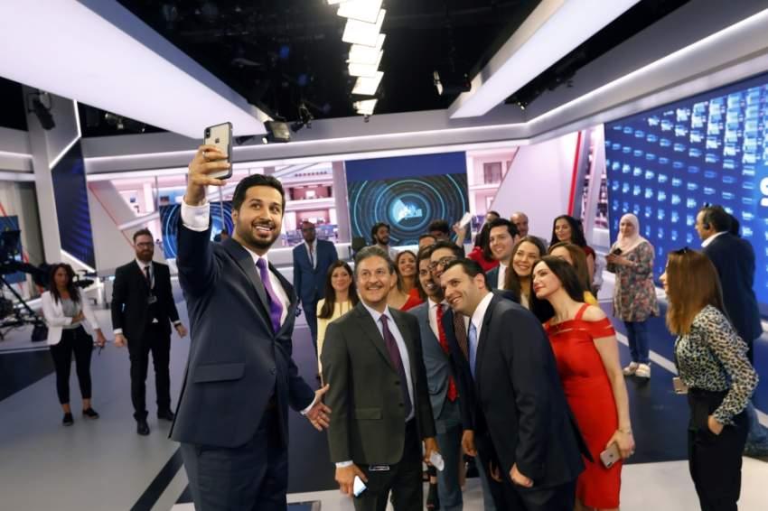 جانب من أسرة سكاي نيوز عربية أثناء الجولة الإعلامية. (تصوير: علي عبيدو)