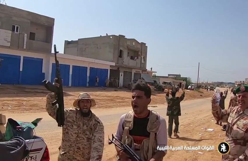 قوات  الجيش الوطني الليبي في  الضواحي الجنوبية لطرابلس. (أ ف ب)