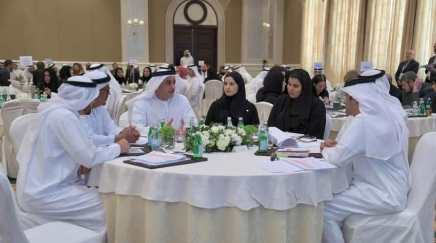 سيف بن زايد يشهد ملتقى القادة الثاني لسياسات وزارة الداخلية
