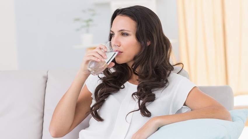 اشربي ما يعادل لترين من الماء بين فترتي الفطور والسحور