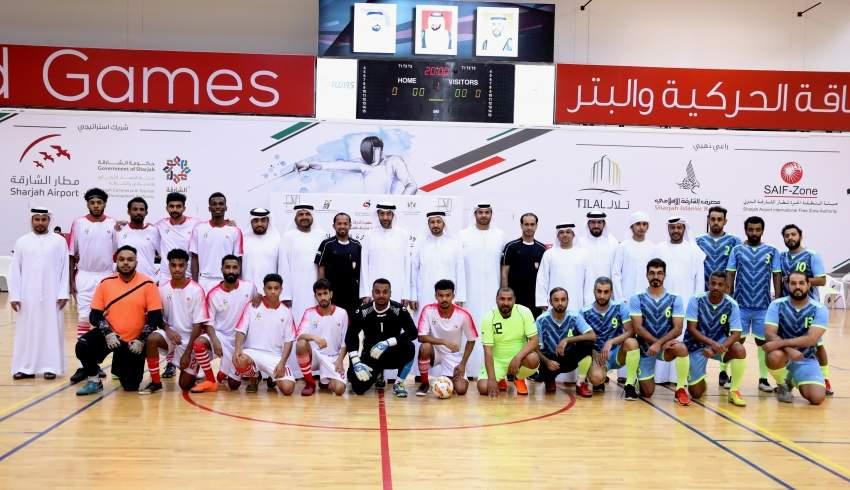 صقر بن محمد القاسمي خلال افتتاح بطولة المؤسسات الحكومية لكرة القدم بالشارقة. (الرؤية)