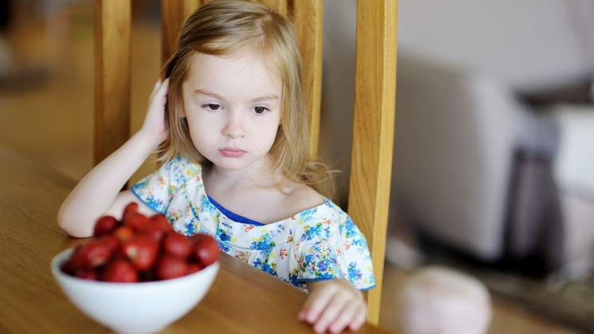 تحليل الدم يمكن معرفة ما إذا كان الطفل مصاباً بحساسية تجاه نوع معين من الطعام أم لا