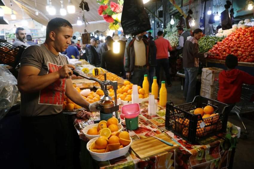 عصير البرتقال الطازج في أسواق الأردن