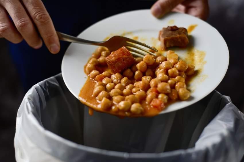 العادات الخاطئة ترفع معدلات هدر الطعام في رمضان