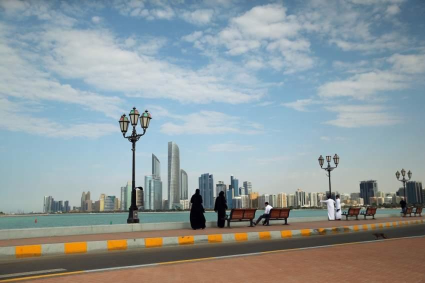 صور عامة لحالة الطقس في أبوظبي