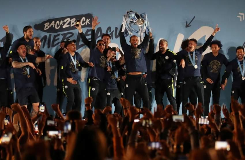 احتفالية مانشستر سيتي بلقب البريميرليغ في ملعب الاتحاد. (رويترز)