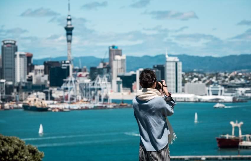 نيوزيلندا تعتزم فرض رسوم دخول على السائحين
