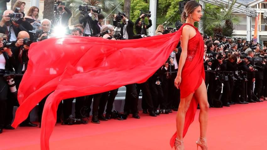 عارضة الأزياء البرازيلية أليساندرا أمبورسيو