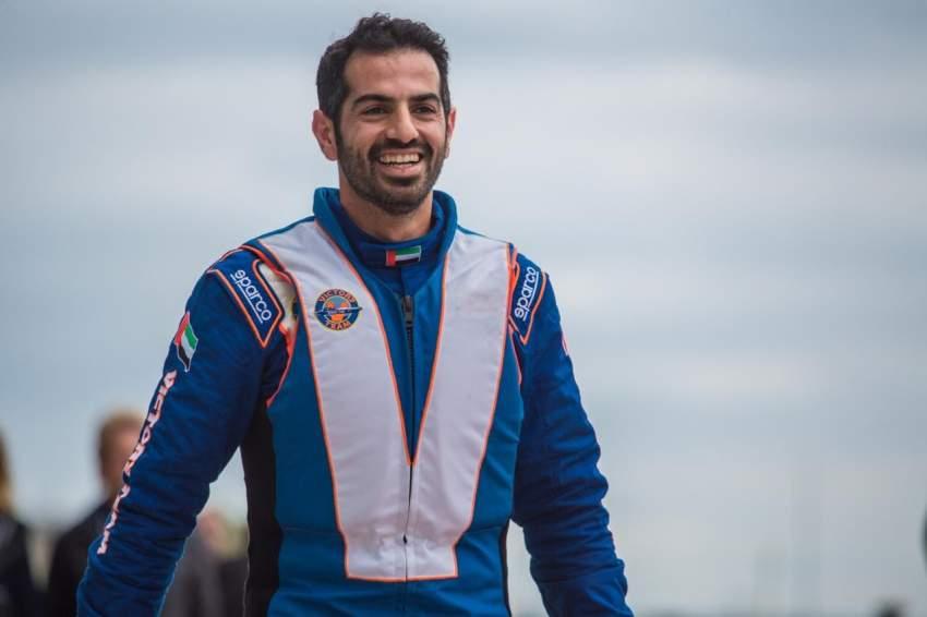 بطل الفيكتوري أحمد الفهيم يتصدر أول منافسات بطولة العالم للفورمولا