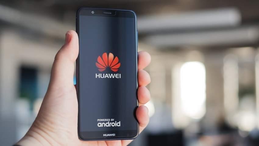 أمريكا تخفف القيود على هواوي لضمان عمل الشبكة والهواتف