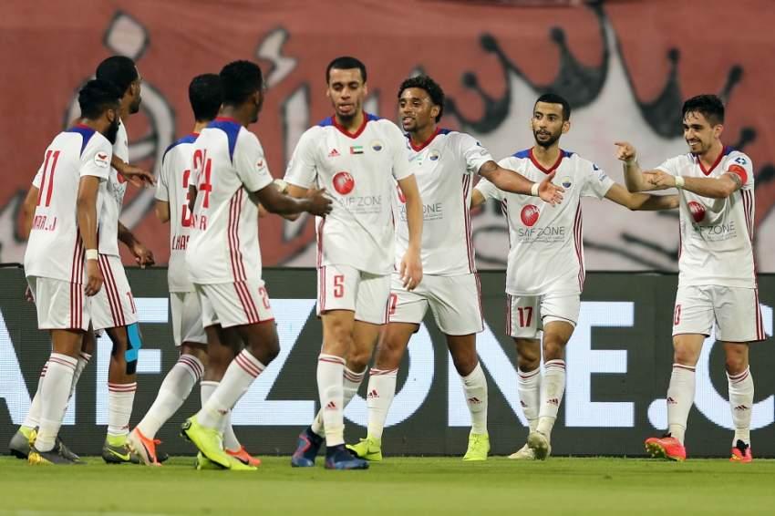 لقطة من مباراة الشارقة والوحدة في الجولة الماضية لدوري الخليج العربي. (الرؤية)
