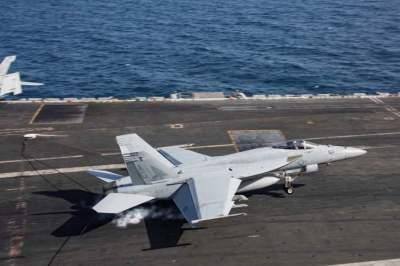 مناورات أمريكية في بحر العرب لردع إيران. (رويترز)