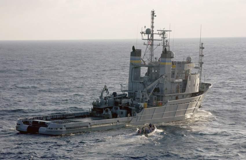 إيران تهدد السفن الأمريكية بأسلحتها السرية