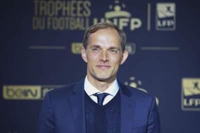 باريس سان جرمان يعلن تمديد عقد مدربه توخل حتى 2021