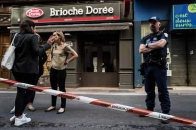 الشرطة الفرنسة تطوّق موقع الانفجار في ليون. (أ ف ب)