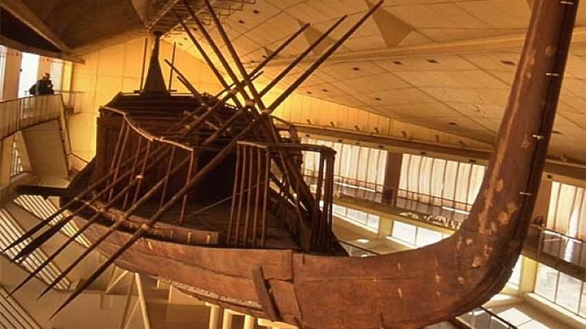 تم اكتشاف السفينة عام 1954 على يد عالم الآثار المصري كمال الملاخ