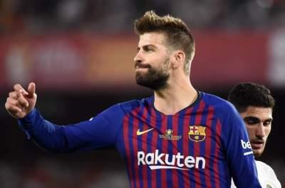 بيكيه يرفض الحديث عن مستقبل فالفيردي مع برشلونة