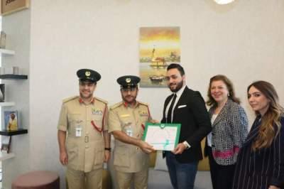 خلال تكريم شرطة دبي لطلبة متعاونين. (الرؤية)