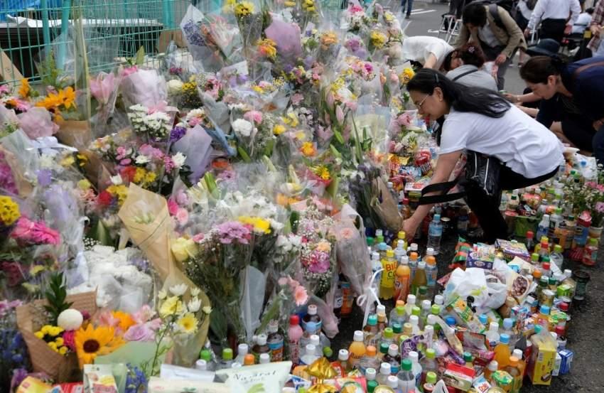 الشرطة اليابانية تفتش منزل منفذ هجوم بسكين
