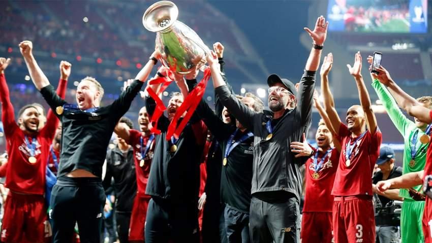 فرحة الفريق بالفوز