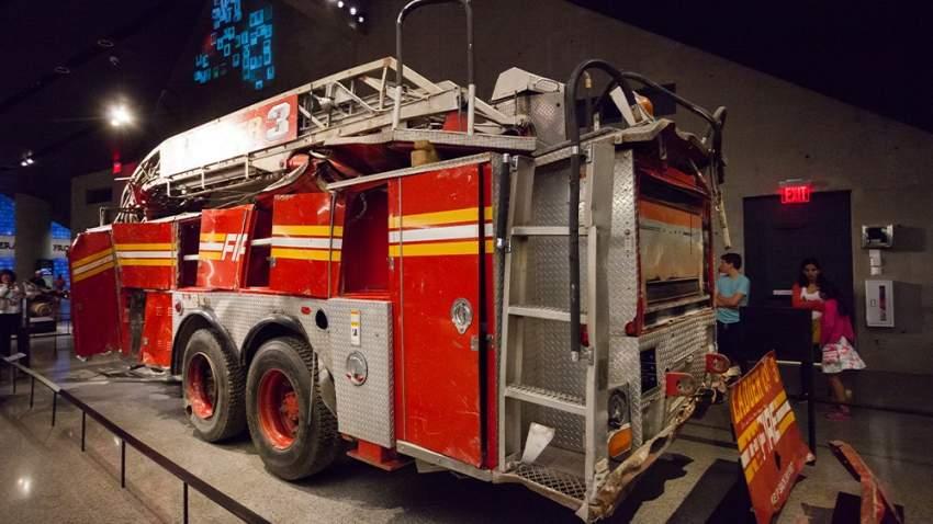 إحدى سيارات المطافئ التي ساهمت في إخماد الحراسق المشتعلة في أحداث 11 سبتمبر