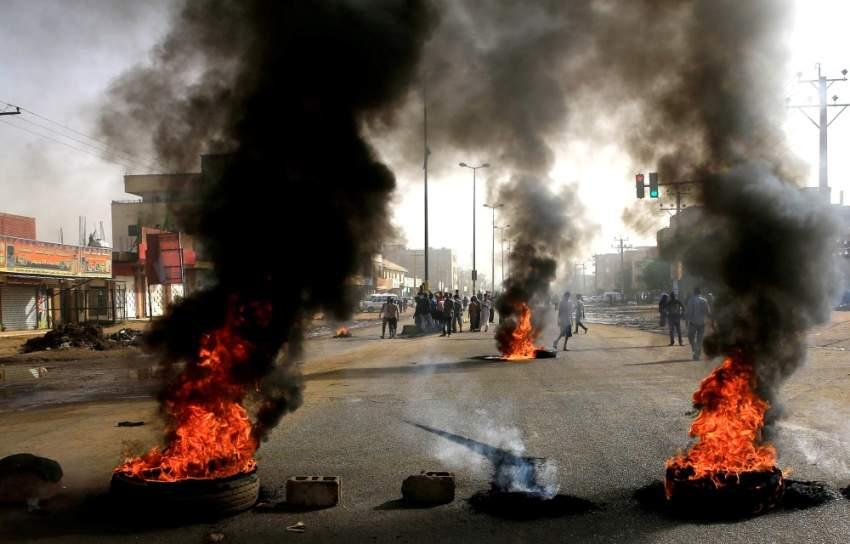 الحراك الشعبي: وقف كافة الاتصالات السياسية مع المجلس العسكري
