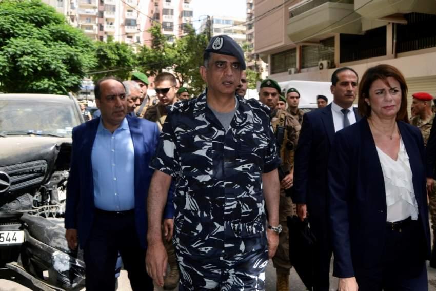 وزيرة الداخلية اللبنانية تتفقد الهجوم الإرهابي في طرابلس. (رويترز)