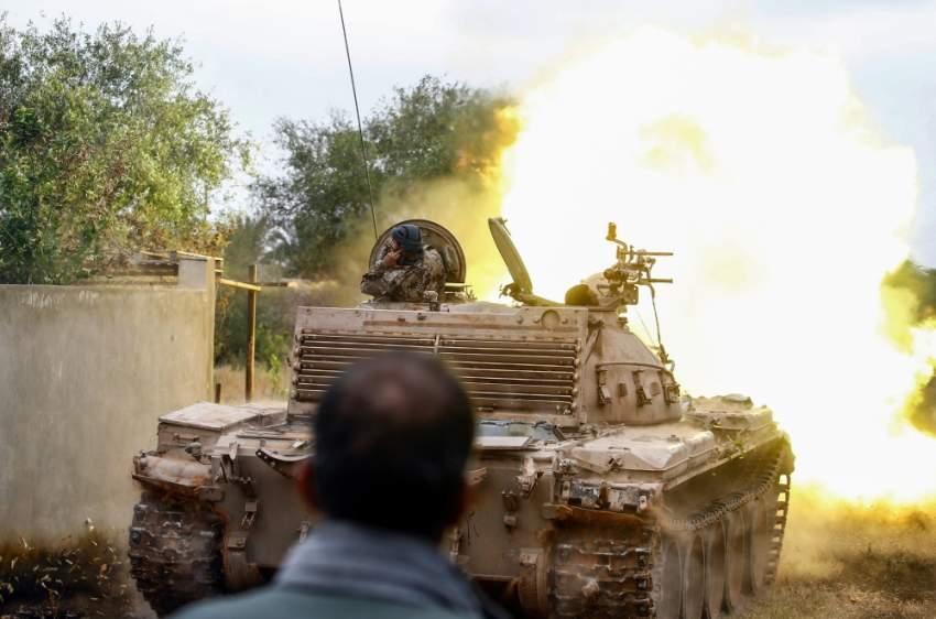 جهات خارجية تزود الميليشيات الموالية لحكومة الوفاق بمعدات ثقيلة. (أ ف ب)