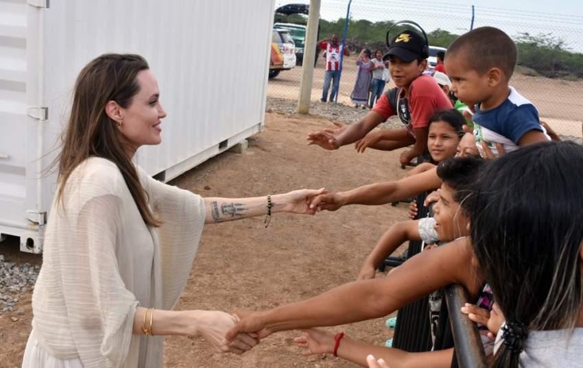 يعيش أكثر من مليون لاجئ في كولومبيا حيث تكافح الحكومة ومنظمات الإغاثة لتوفير المسكن والغذاء والرعاية الصحية لعدد متزايد من المهاجرين الوافدين على مناطق حدودية تعاني من الفقر والعنف