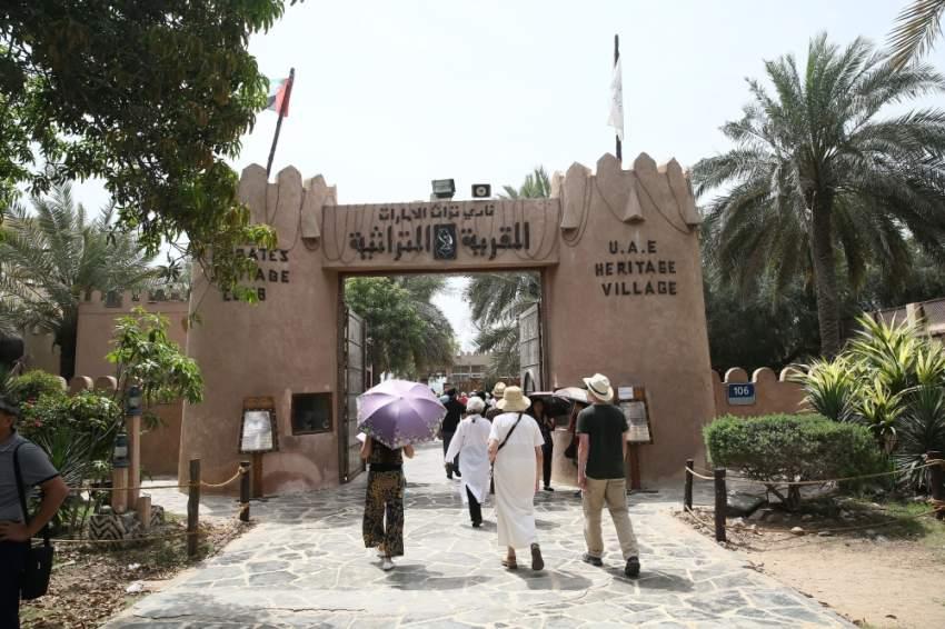 خفض الفائدة يعزز تنافسية الإمارات كوجهة سياحية للأوروبيين والآسيويين. (الرؤية)