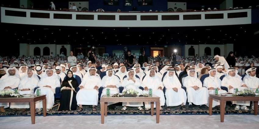 عبدالله النعيمي، ضاحي خلفان، إبراهيم بوملحة، محمد المر، بلال البدور وعدد من الشخصيات الثقافية خلال الحفل. (الرؤية)
