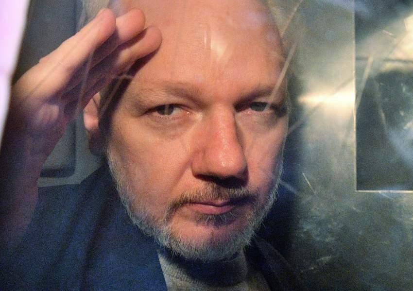 أمريكا تطلب رسمياً من بريطانيا تسليم مؤسس موقع ويكيليكس