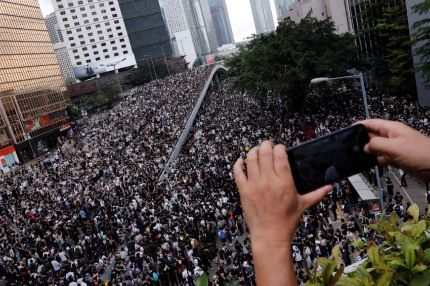 بعد الاحتجاجات.. هونغ كونغ تؤجل تطبيق قانون تسليم المطلوبين للصين