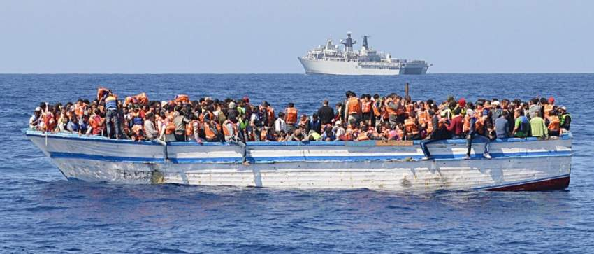 مهاجرون عبر البحر المتوسط.