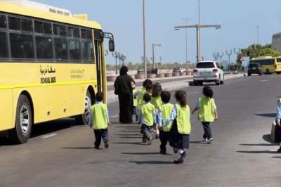 التأكيد على اعتماد كشف للطلاب يعتمد على ملاحظة الطلبة المتغيبين والحاضرين قبل النزول أو الصعود للحافلة يومياً. (الرؤية)