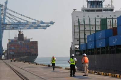 السعودية الشريك التجاري الأكبر لأبوظبي خلال الربع الأول. (الرؤية)