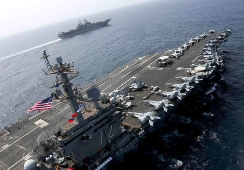 حاملة الطائرات الأمريكية «أبراهام لينكولن» في بحر العرب. (رويترز)