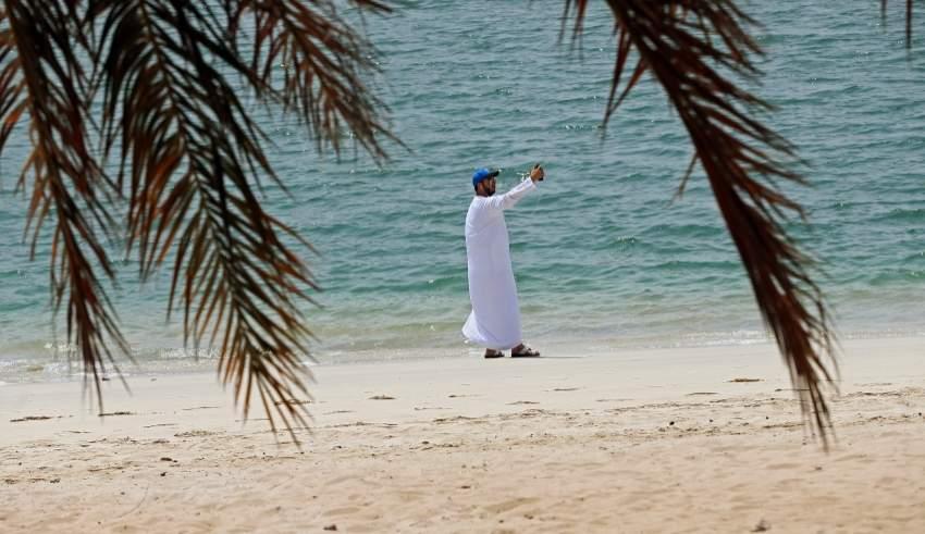 زيارة صباحية والتقاط سيلفي لشاطىء كورنيش ابوظبي