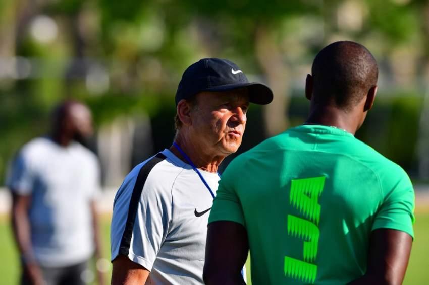 غيرنو رور مدرب نيجيريا (أ ف ب)